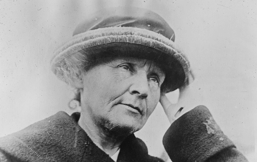 Marie Curie ; Agence Rol ; 1921 - source BnF